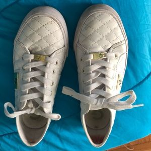 Guest tennis shoes